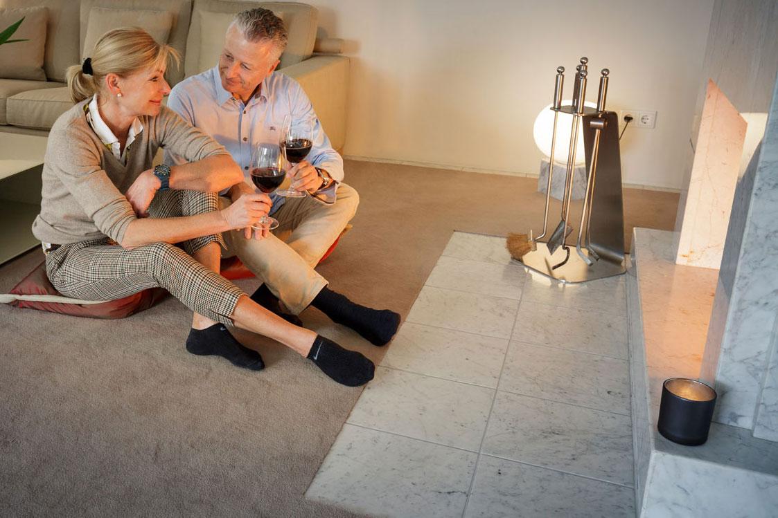 ibk initiative bodenbel ge kleben. Black Bedroom Furniture Sets. Home Design Ideas